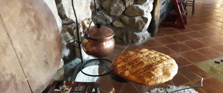 Pečemo kruh v Beli krajini